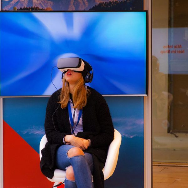 Virtual Reality Pop-up